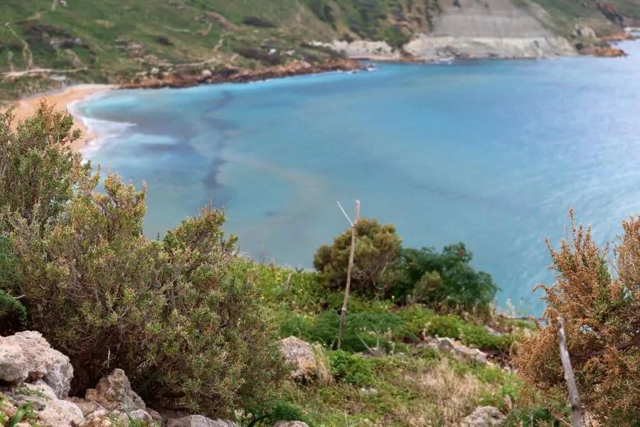 Uitzicht op de Ramla Bay in Gozo
