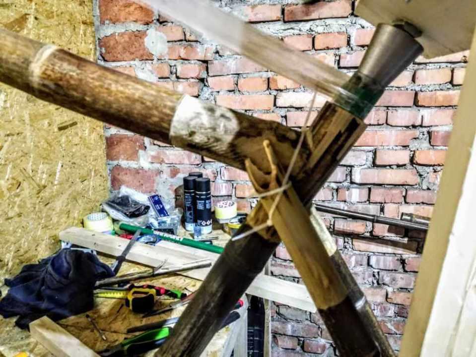 montaż bambusowych tyczek haki 2