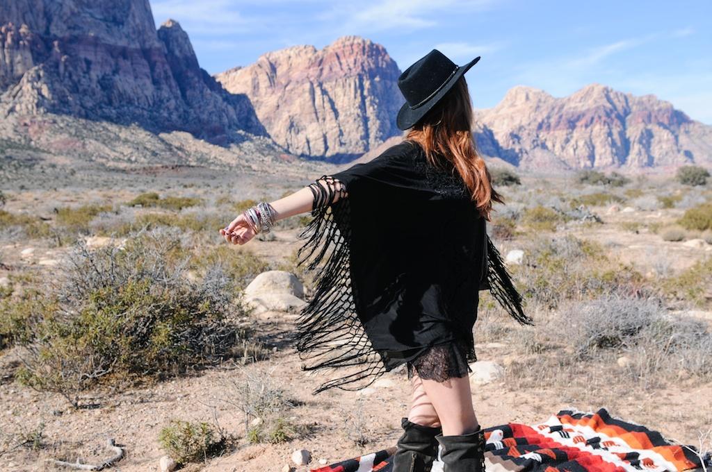 boho-bunnie-johnny-was-jeffrey-campbell-mexican-blanket-western-fashion-blogger-kimono-fringe 32