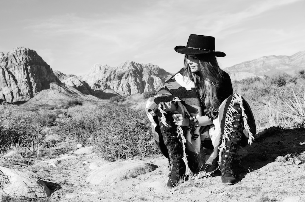 boho-bunnie-johnny-was-jeffrey-campbell-mexican-blanket-western-fashion-blogger-kimono-fringe 63