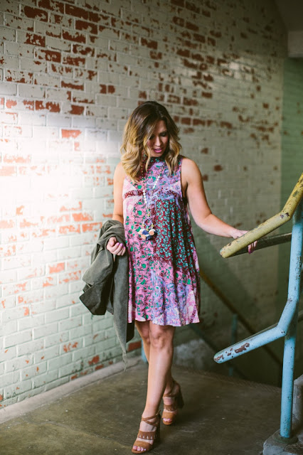 {WEEKEND STYLE  IN BRIGHT FLORALS}