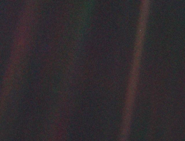 442px-Pale_Blue_Dot.jpg