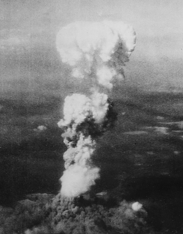Atomic_cloud_over_Hiroshima.jpg