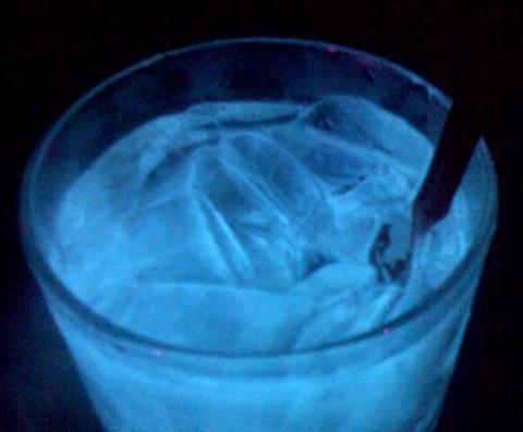 glowinggintonic.jpg