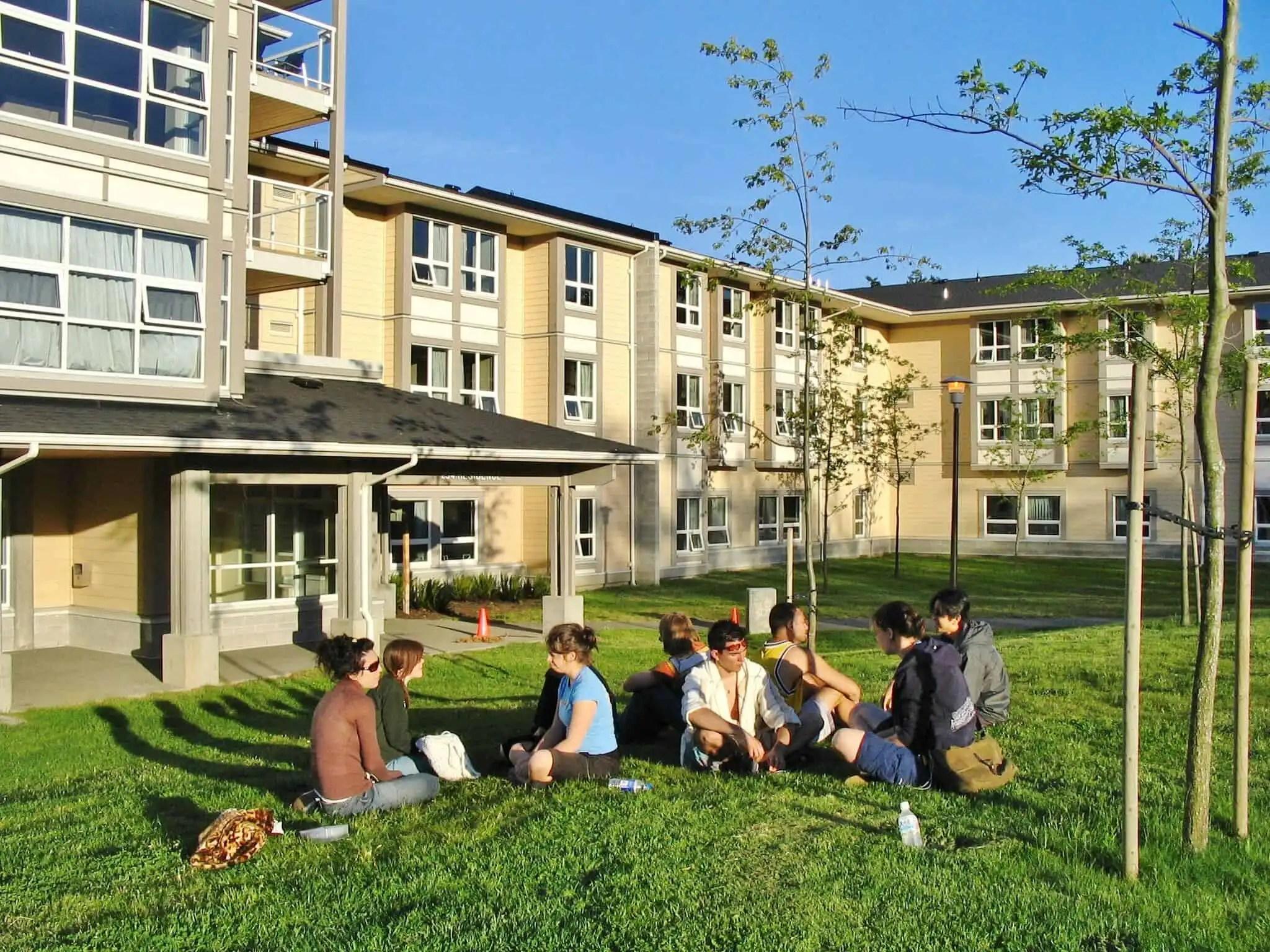 加拿大語言學校-UVIC-維多利亞大學 -藍海國際教育顧問公司 ∥ 加拿大當地專業代辦 ∥ 留遊學∥ 從家到加
