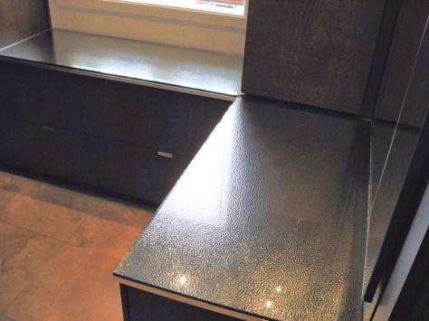 Comptoir-verre-et-metal