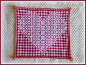 6 napperon broderie suisse