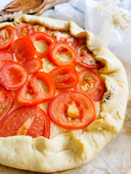 Tarte rustique moutarde & tomate