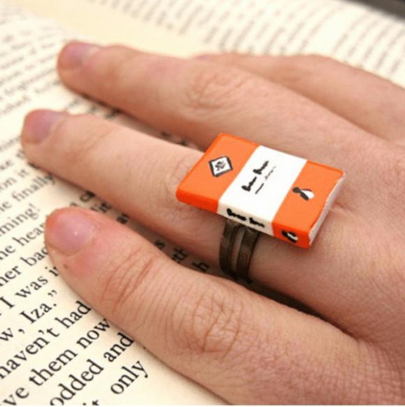 Classic Penguin book ring