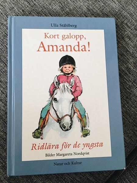 Kort galopp, Amanda! av Ulla Ståhlberg