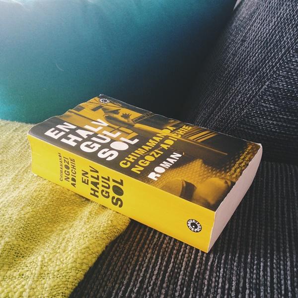 En halv gul sol av Chimamanda Ngozi Adichie