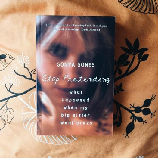 Stop pretending av Sonya Sones