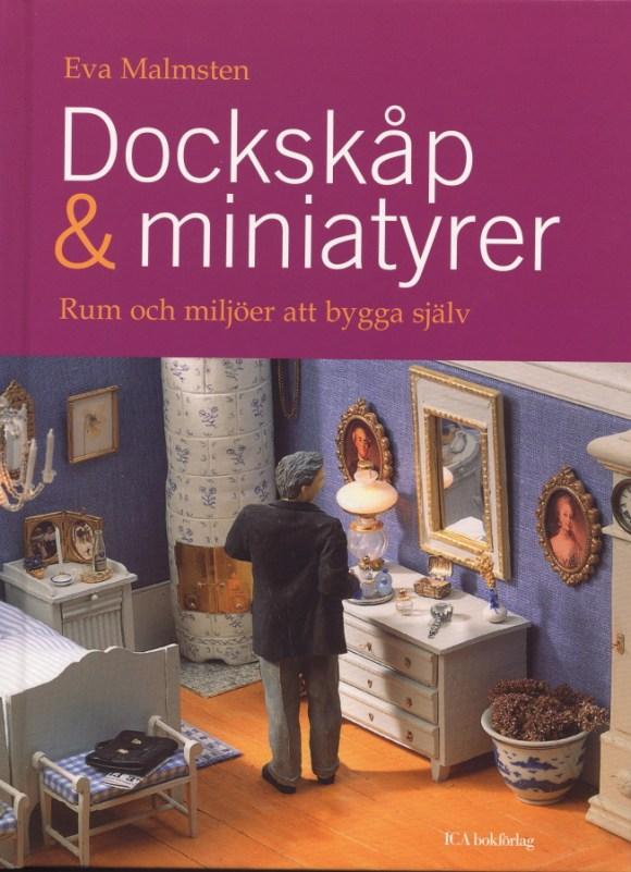 Dockskåp och miniatyrer av Eva Malmsten