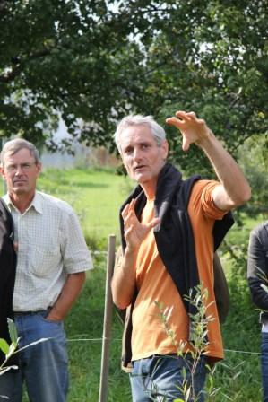 Ass.Prof. Dipl.-Ing. Dr.nat.techn. Andreas Spornberger, links im Bild: Dipl.-Ing. Karl Refenner, Leiter Versuchsanstalt Jedlersdorf