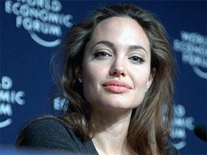Foreign Girls Wallpaper How To Get Angelina Jolie S Seductive Lips Boldsky Com