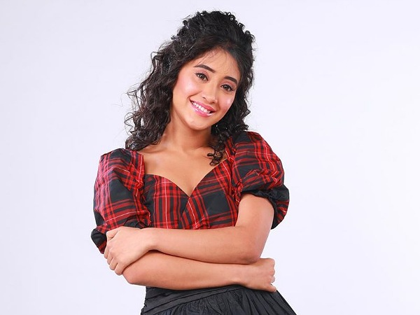 Shivangi Joshi In Wow Top & Cute Skirt