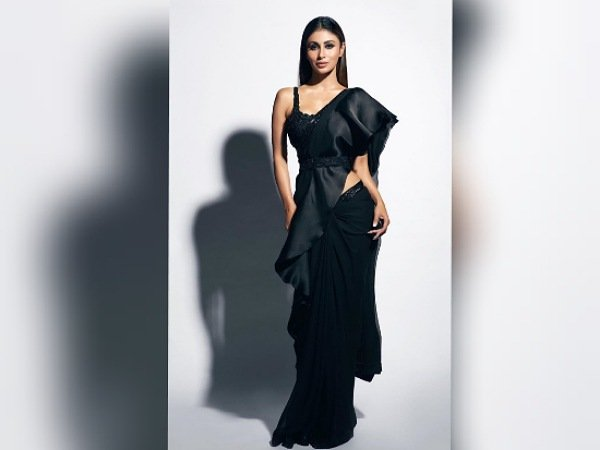 Mouni Roy In A Black Belted Saree