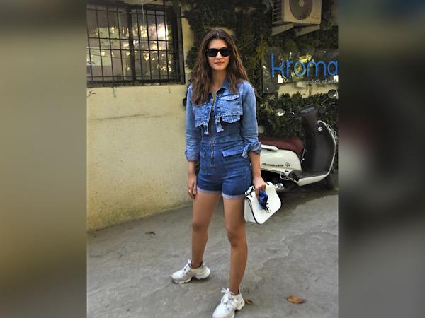 Kriti Sanon Flaunts Denim On Denim Look