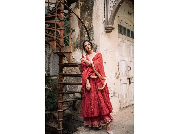 Sonal Chauhan Style