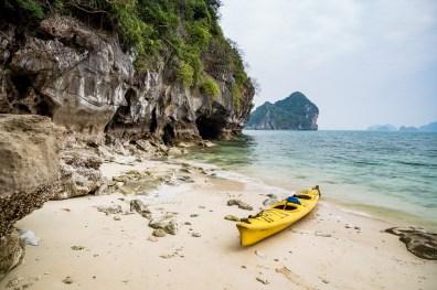 Kayaking Bai Tu Long bay in Halong Bay