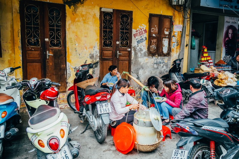 Hanoi Food Tour by Motorbike -7