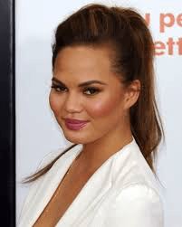Chrissy Teigen Opens Up About Weight, Fans Praise Her Honesty