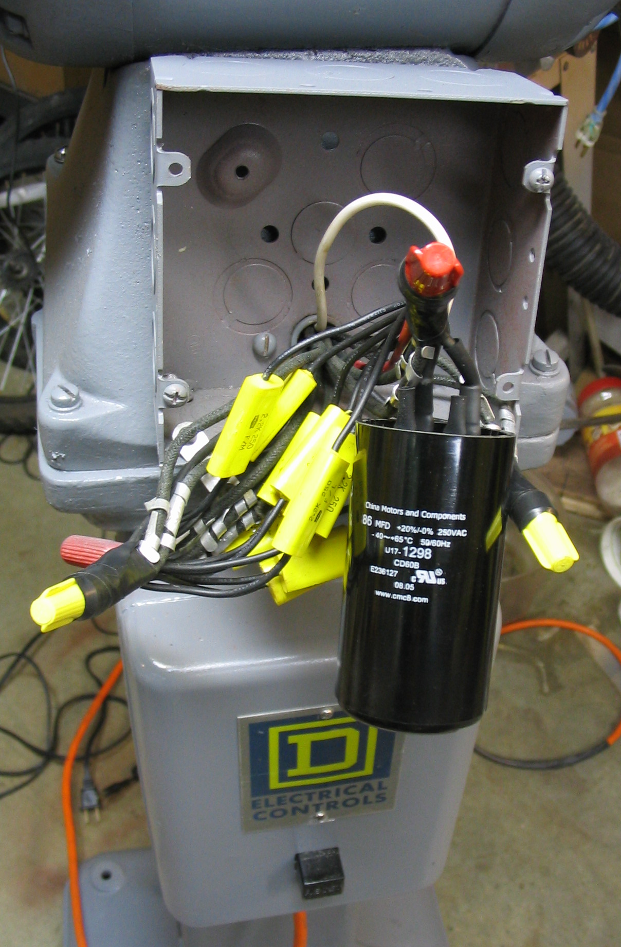 hight resolution of final start capacitor