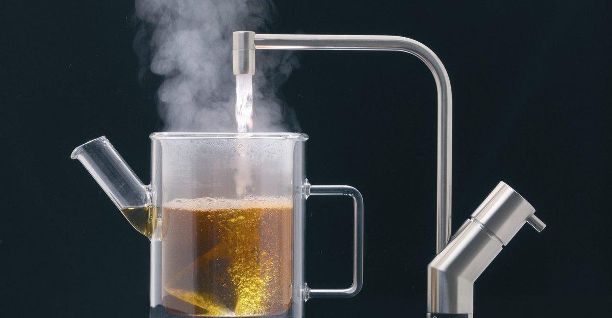 Vandhaner Med Kogende Vand