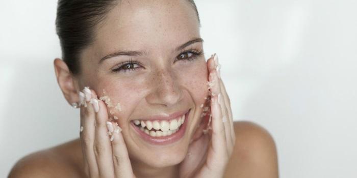 scrub viso fai da te ricette fatte in casa con ingredienti naturali