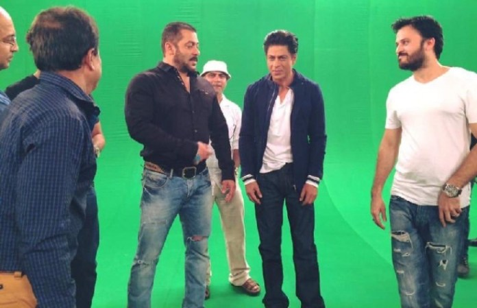 Salman-Khan-and-SRK-at-Mehboob-Studios-for-Bigg-Boss9-Promo-Shoot-740x477
