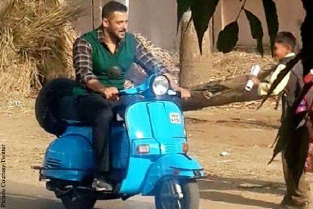 salman-khan-rides-scooter-on-the-sets-of-sultan-1