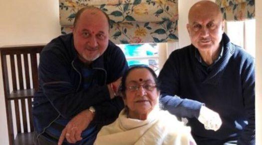 Familie van Bollywood acteur Anupam Kher positief getest op COVID-19