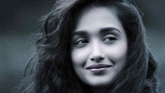 """Moeder van wijlen Bollywood actrice Jiah Khan: """"Bollywood moet stoppen met pestgedrag"""""""