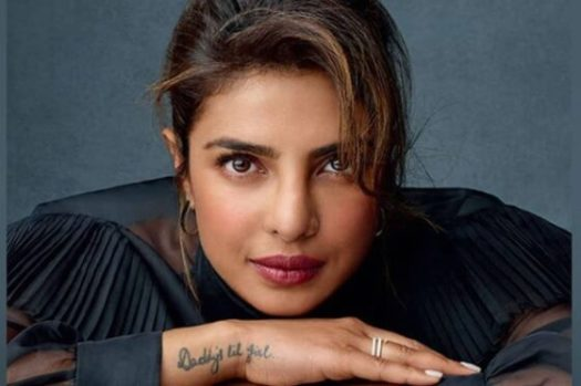 Bollywood actrice Priyanka Chopra Jonas promoot haar biografie Unfinished