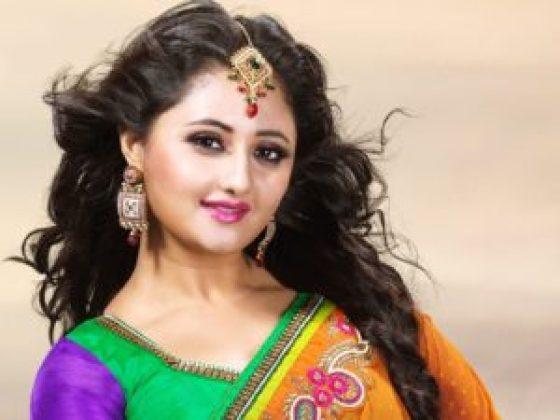 Rashmi-Desai-picture