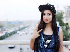 Dhinchak-Pooja-Eliminated-Bigg-Boss-11