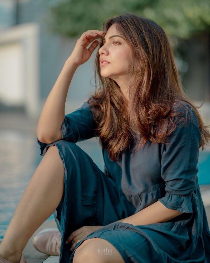 South Indian Actress Madonna Sebastian Hot Images