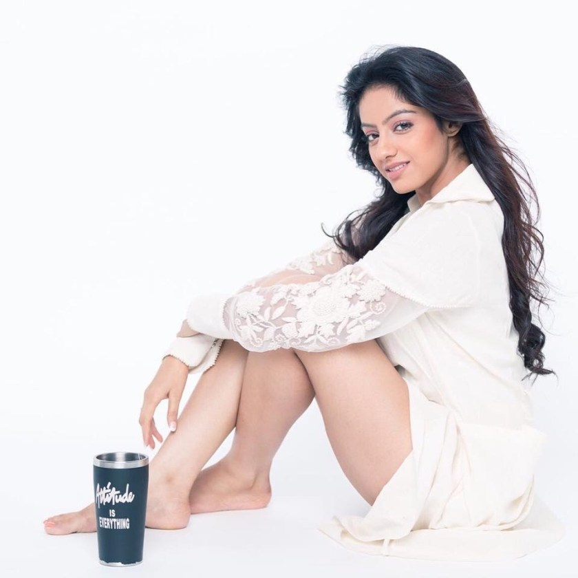 Desi TV actress in White Deepika Singh Latest Hot Cute Pictures