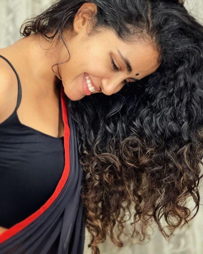 South Indian Actress Anupama Parameswaran 12 Hot Gorgeous Pictures