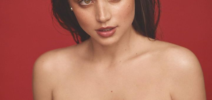 12 Hot Pictures Of The Gray Man Actress Ana de Armas