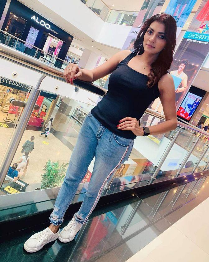 Lahari Shari 9 Hot Gorgeous Adorable Pictures