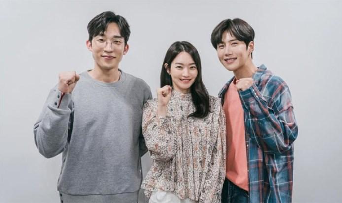 Shin Min Ah, Kim Seon Ho, Lee Sang Yi starrer Hometown Cha Cha to stream on  Netflix along with tvN simultaneously : Bollywood News - Bollywood Hungama