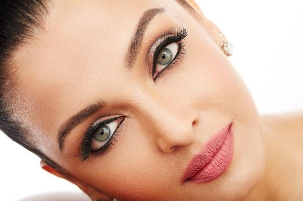 We cannot stop staring into Aishwarya Rai Bachchan's beautiful eyes in this picture she shared on Instagram