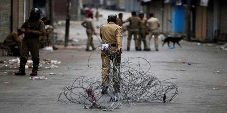 مقبوضہ کشمیر میں مسلسل 112ویں روز بھی فوجی محاصرہ اور دیگر سخت پابندیاں بدستورجاری رہا