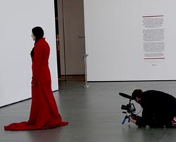Marina-Abramovic-The-Artist-is-Present-Akers