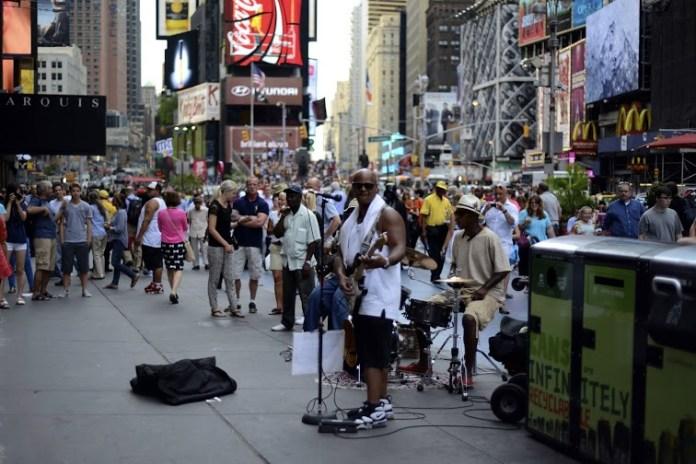 Artistas no verão da Times Square