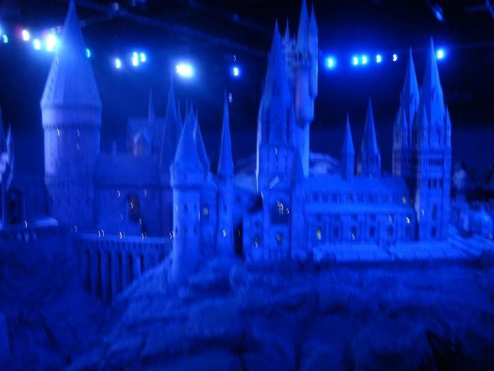 Maquete gigante de Hogwarts em The Making of Harry Potter