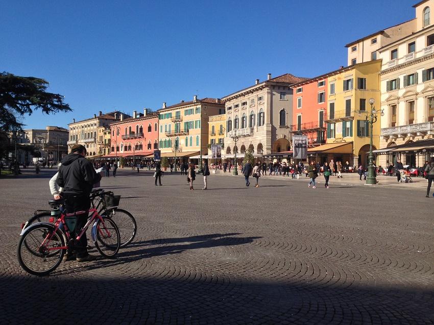 Piazza Bra - Cidade De Verona - Italia - Foto De: Susan Buranelo