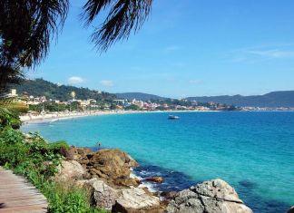 Bombinhas: um paraíso para visitar até embaixo d'agua