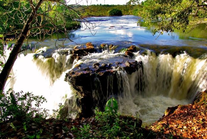 Cachoeira do Prata em Chapada das Mesas